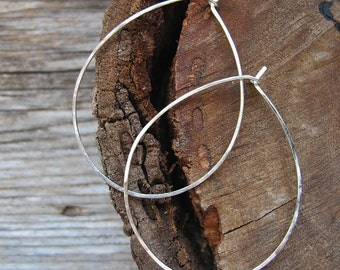 Large Hoop Earrings. Sterling Silver Rounded Earrings . Hammered Hoops. Handmade Earrings. Handmade Earwires 20 gauge -Oval Hoops