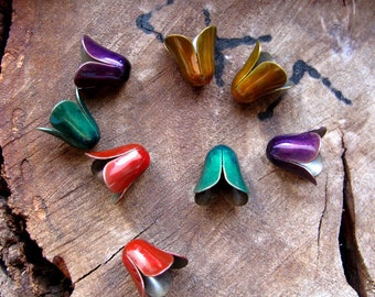 8 Colored Smooth Bead Caps. Red Caps, Green Caps, Yellow Caps, Purple Caps. Enameled Plain Caps. Earring pair. petal bead caps