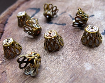Vintage Bead Caps. Enameled Gold Flower Filigree Bead Caps. Antique Brass Jewelry Findings. 9mm Lacy Bead Caps, charms, handmade findings