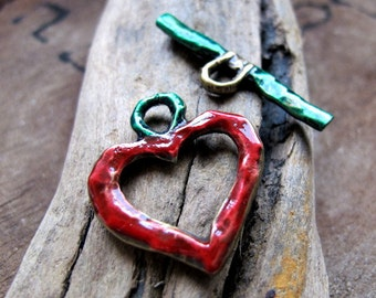 Enameled Heart Toggle Clasp Findings. Metal Clasp for Necklaces of Charm Bracelet Red/Green