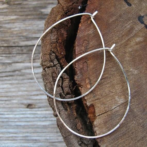 Large Hoop Earrings. Sterling Silver Rounded Earrings . Hammered Hoops. Handmade Earrings. Handmade Earwires 20 gauge -Oval Hoops