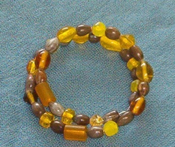 Bracelet with Brown Hawaiian Job's Tears and Yellow Glass Beads