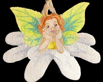 DAISY FAIRIE  - Machine Embroidery Quilt Block (AZEB)