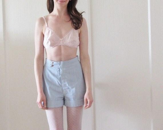 peach pink bullet bra . 1970 arrow print lingerie .small.medium.36B .sale s a l e