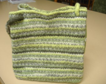 Felted purse with 2 handle lengths