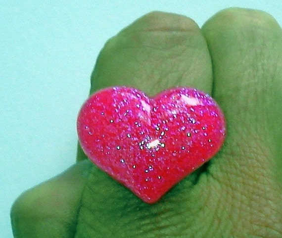 Hot pink UV glow sparkle heart ring