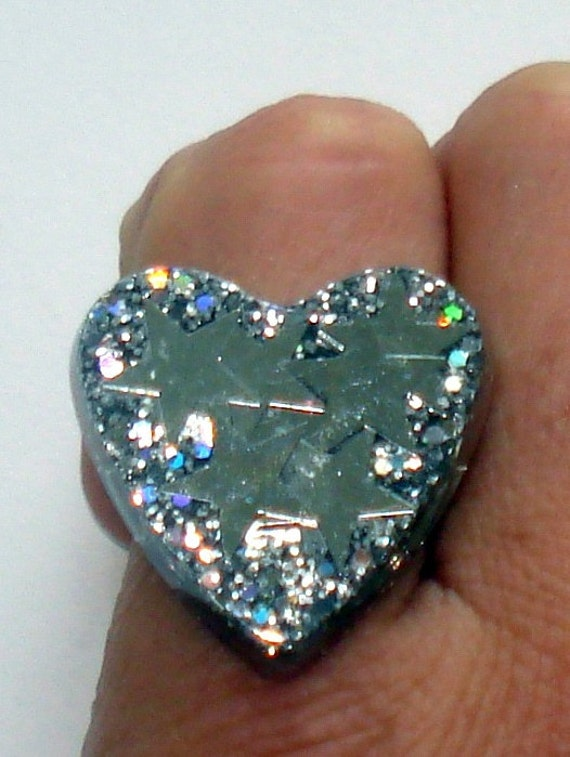 Sparkling silver stars and glitter heart ring