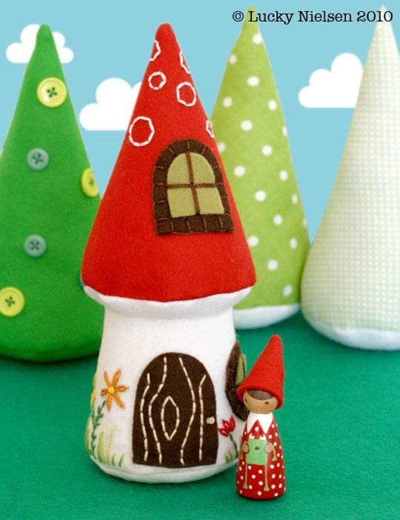 Nora Gnome and Mushroom Cottage PDF Pattern