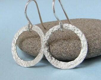 Silver Hoop Earrings Silver Hammered Hoop Earrings Hammered Circle Earrings Tiny Hoop Earring Small Silver Simple Hoops Rustic Hoop Earrings
