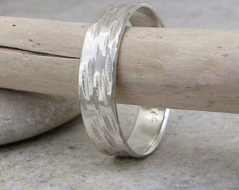 Bark Wedding Band Silver Wedding Ring Hammered Rustic Wedding Bands Birch Bark Ring Unique Wedding Rings Woodgrain Ring Nature Jewelry