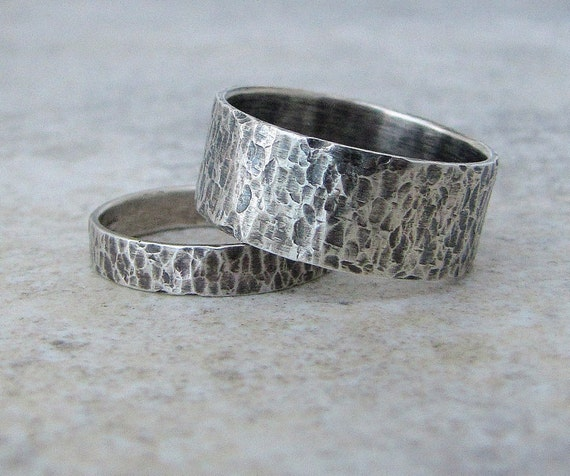 silver wedding bands hammered wedding rings silver rustic. Black Bedroom Furniture Sets. Home Design Ideas