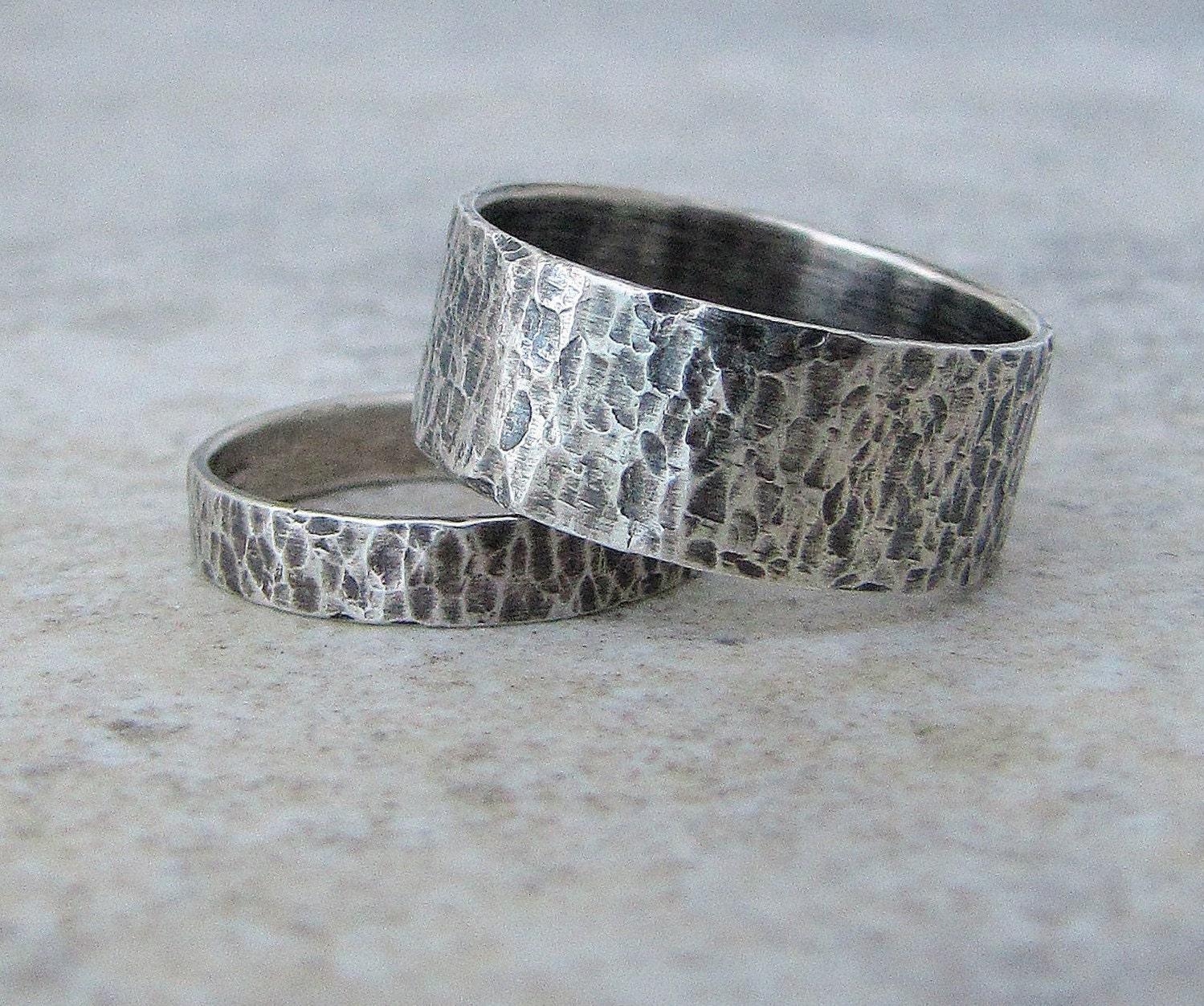 silver wedding bands hammered wedding rings silver rustic. Black Bedroom Furniture Sets. Home Design Ideas