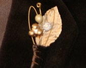Metallic Guitar String Boutonniere, gold copper style