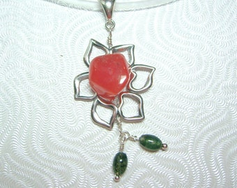 SOLD - Sunny Flower Pendant Necklace