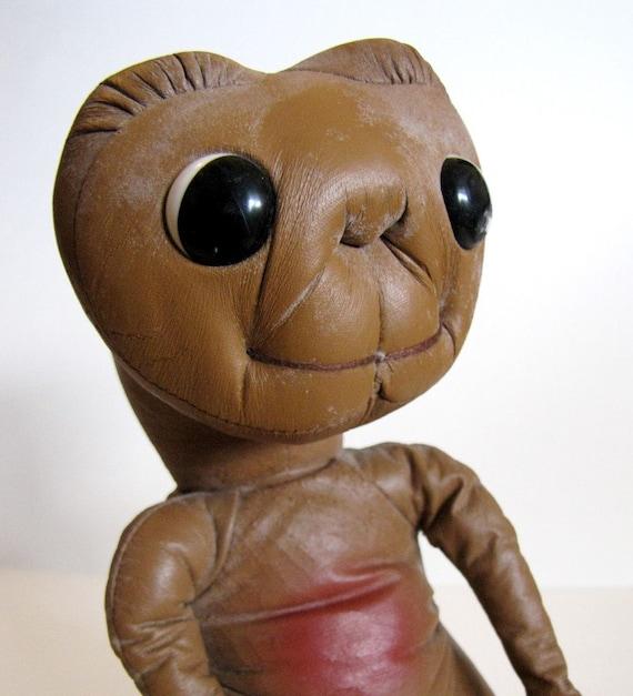 1982 e t  plush doll