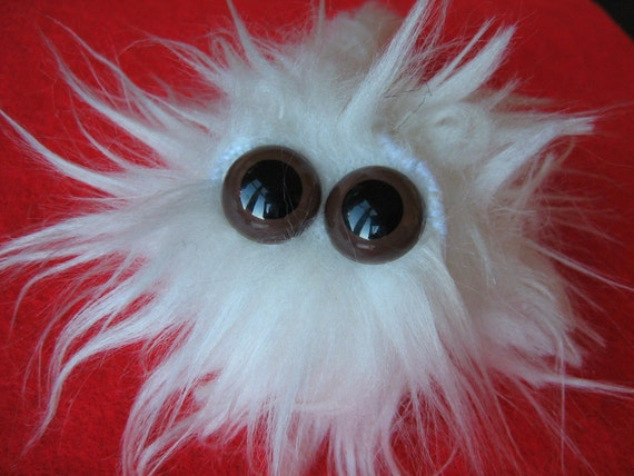 Snowfuzz Fluffy Worm