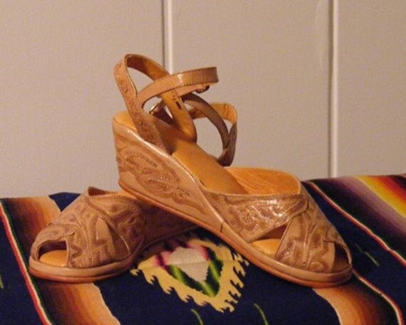 Vintage 1940 Style Mexican Tooled Leather Handmade Wedge