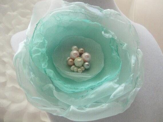 Summer Breeze handmade flower pin/clip