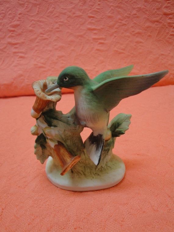 Vintage Lefton China Vintage Hummingbird Figurine - Hand Painted - Stamped KW 464
