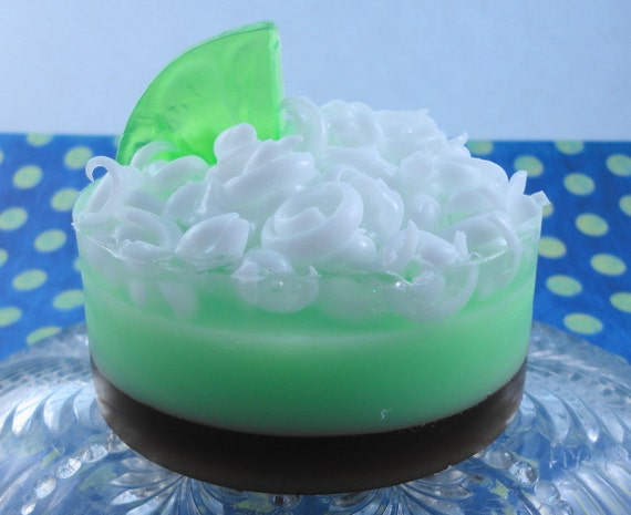Soap - Key Lime Pie with a Brown Sugar Scrub - Glycerin Soap - Handmade Soap - Goats Milk - SoapGarden
