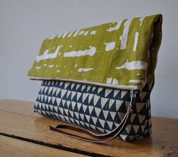 LARGE POUCH - window/triangle