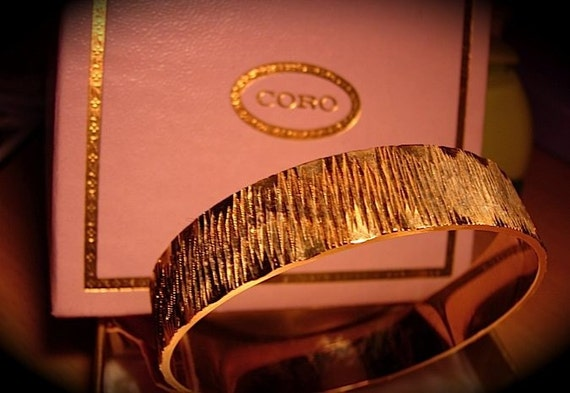 DeadStock Vintage 50s CORO Gold Bangle Bracelet in original box -on sale-