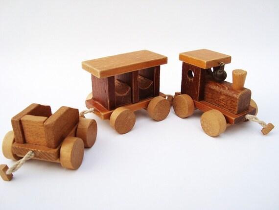 Wooden Choo Choo Train Loquai Holzkunst W. Germany