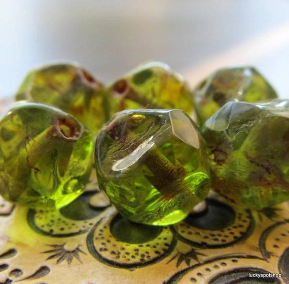 Apple Candy . Czech Picasso Polished Glass Beads (10)