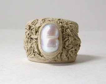 Creamy white leather  ring with freshwater natural pearl. Statement ring. Cocktail ring. Gift for her. Handmade leather ring.