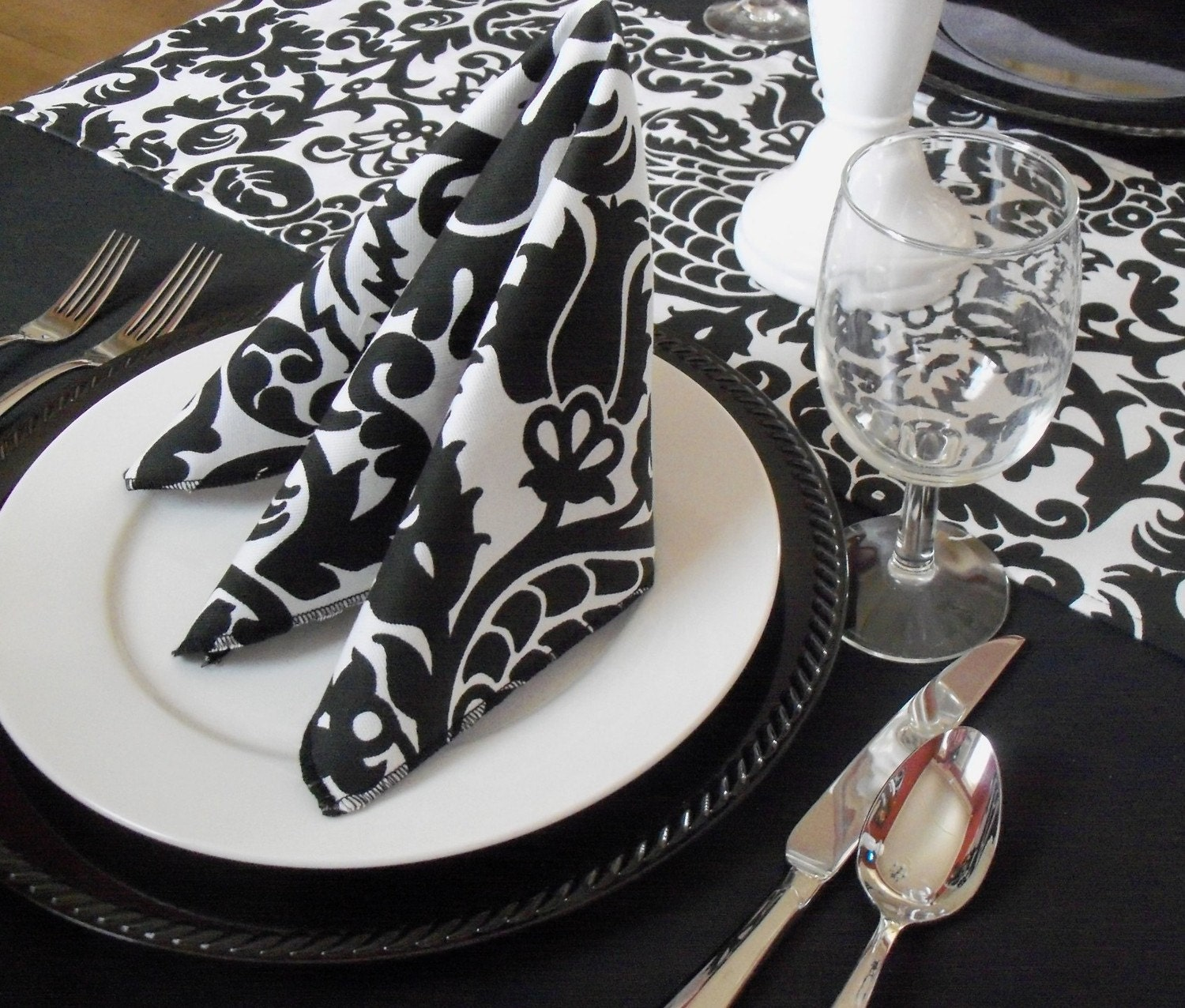 Black And White Napkins Wedding Table Centerpiece Decoration
