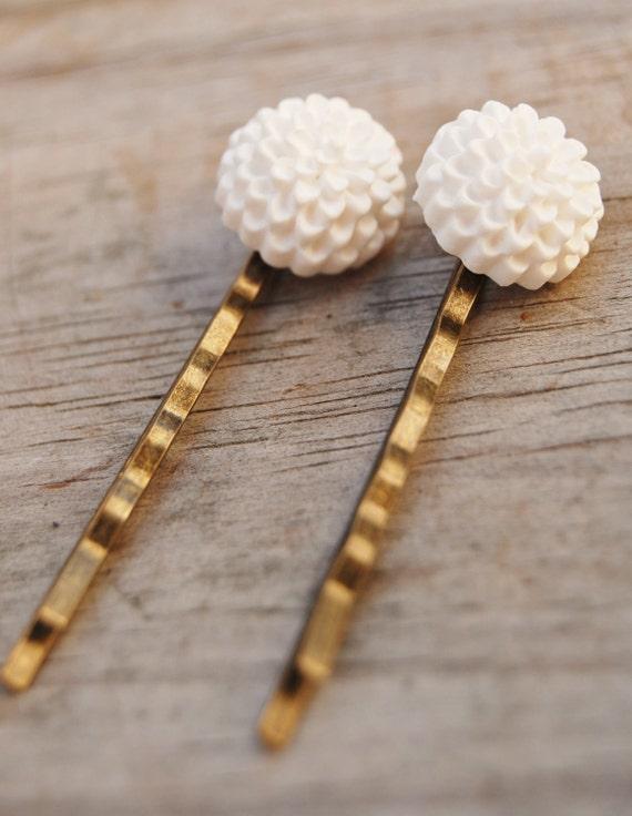 Snow White Hairpins (Set of 2)