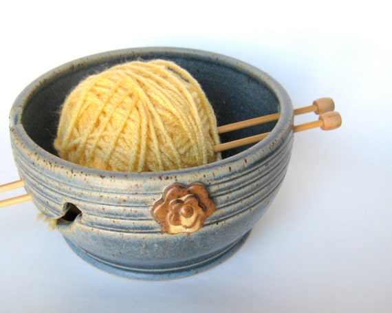 Yarn keeper / bowl with flowers in speckled blue