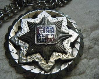 Star Crest Necklace Enamel Engraved Names Red Navy Blue