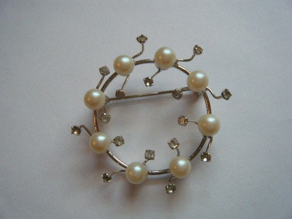 Vintage Brooch Rhinestone Dew Drops and Faux Pearls