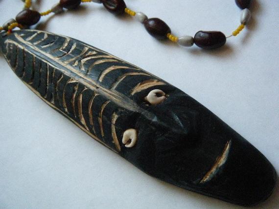 Vintage Necklace Tribal Tiki Carved Wood