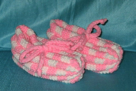 Checkerboard Knit Slippers by busiagwen on Etsy