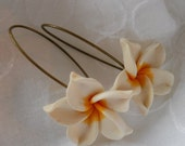 Sweet flower Earrings, Fimo, Crafted Clay,  Gift for Her, Gift under 20, Mothers Day Gift