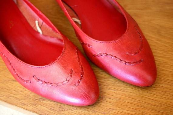 Vintage Red Leather Stitched Low Heel size 7