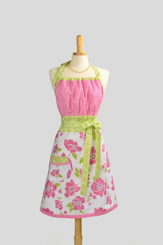Cute Kitsch Apron : Modern Design in Simple Pink Flower and Wthite Background Trimmed with Green Diamond Petite Floral