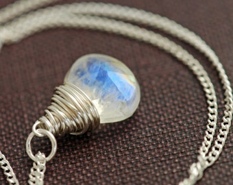 Moonstone Necklace Sterling Silver, Wire Wrapped Moonstone Pendant Necklace, Handmade, aubepine