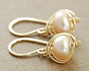 Peach Pearl Earrings 14k Gold Fill, Delicate Pearl Dangle Earrings, June Birthstone Jewelry, aubepine
