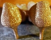 1/2 Price SALE -  Gold Glitter High Heel Shoes with flower fantatic shoe clips  - Last Pair size 11 -