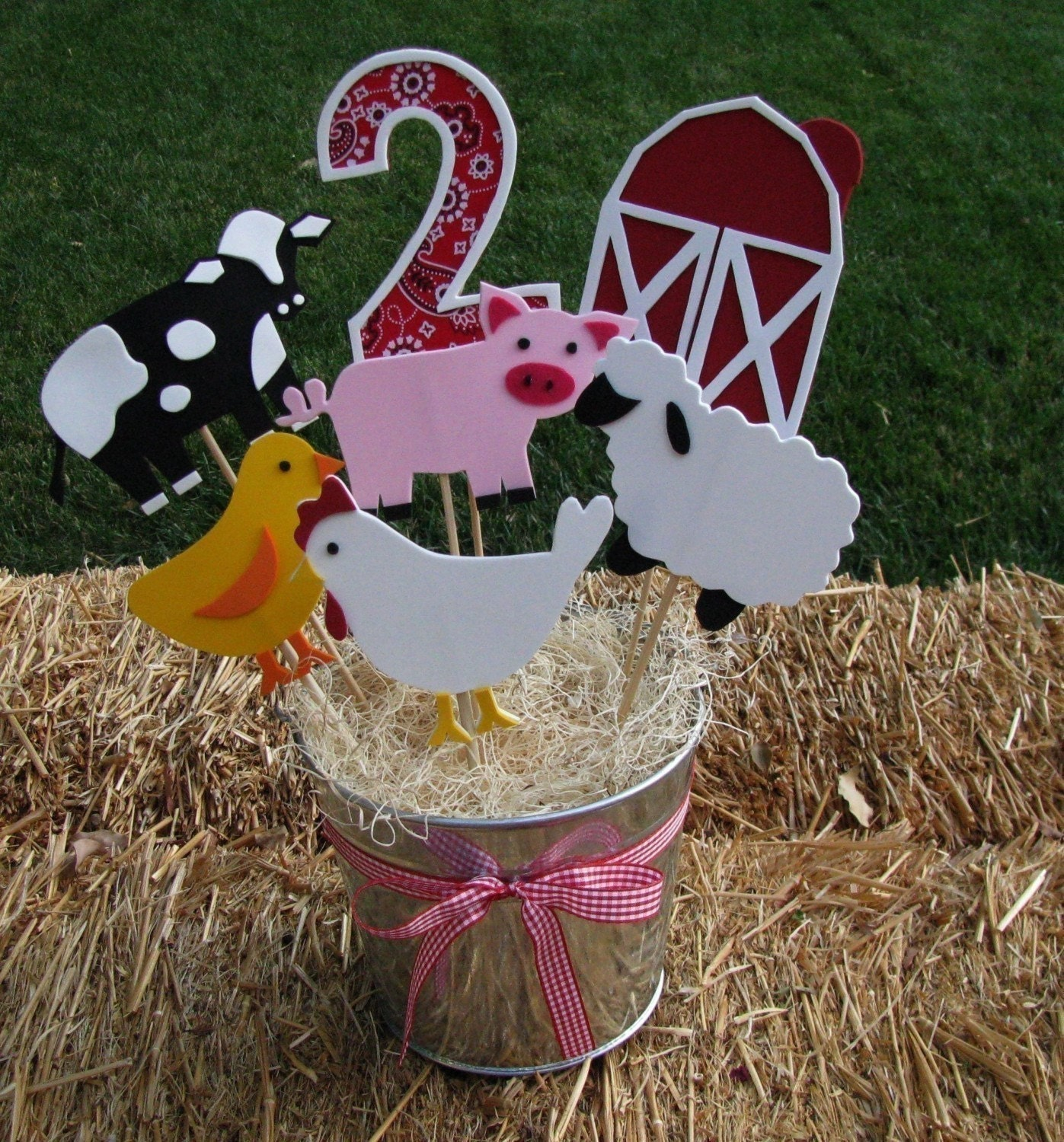 Reserved for corrineduarte farm barnyard theme party for Animals decoration