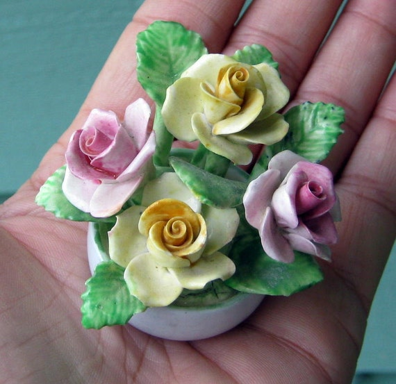 Miniature coalport flower arrangement roses by for Small rose flower arrangement