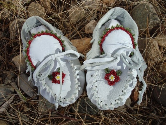 CLEARANCE,  Baby Moccasins By Desi, Beaded, leather, Flower