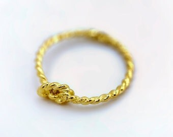 Pinky Promise Ring - 14K Yellow Gold