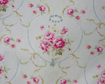 Vintage Reproduction Cotton Fabric   Meadow Rose