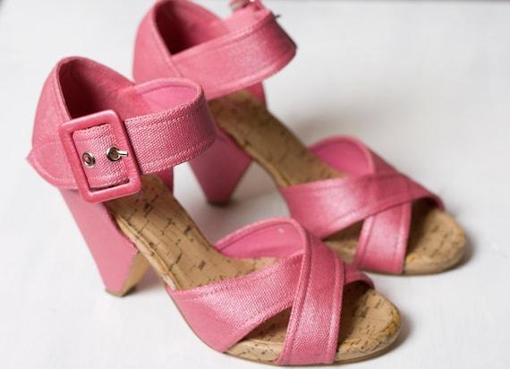 Retro Petal Pink Wedge Sandals
