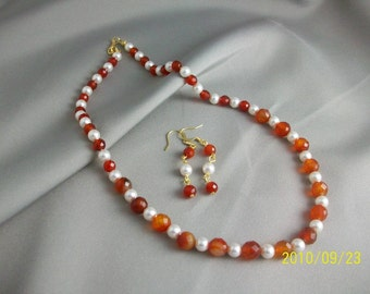 Laila Red Agate, Carnelian and Swarovski Pearls Necklace Set