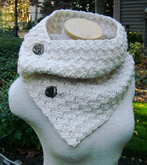 Crochet Cowl Scarf Neckwarmer in VANILLA CREAM and GOLD with Buttons
